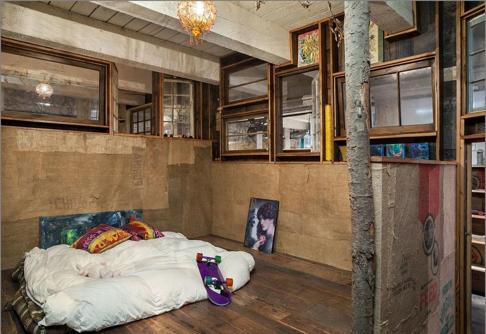 Осъществяване на таванско помещение в груб промишлени стил