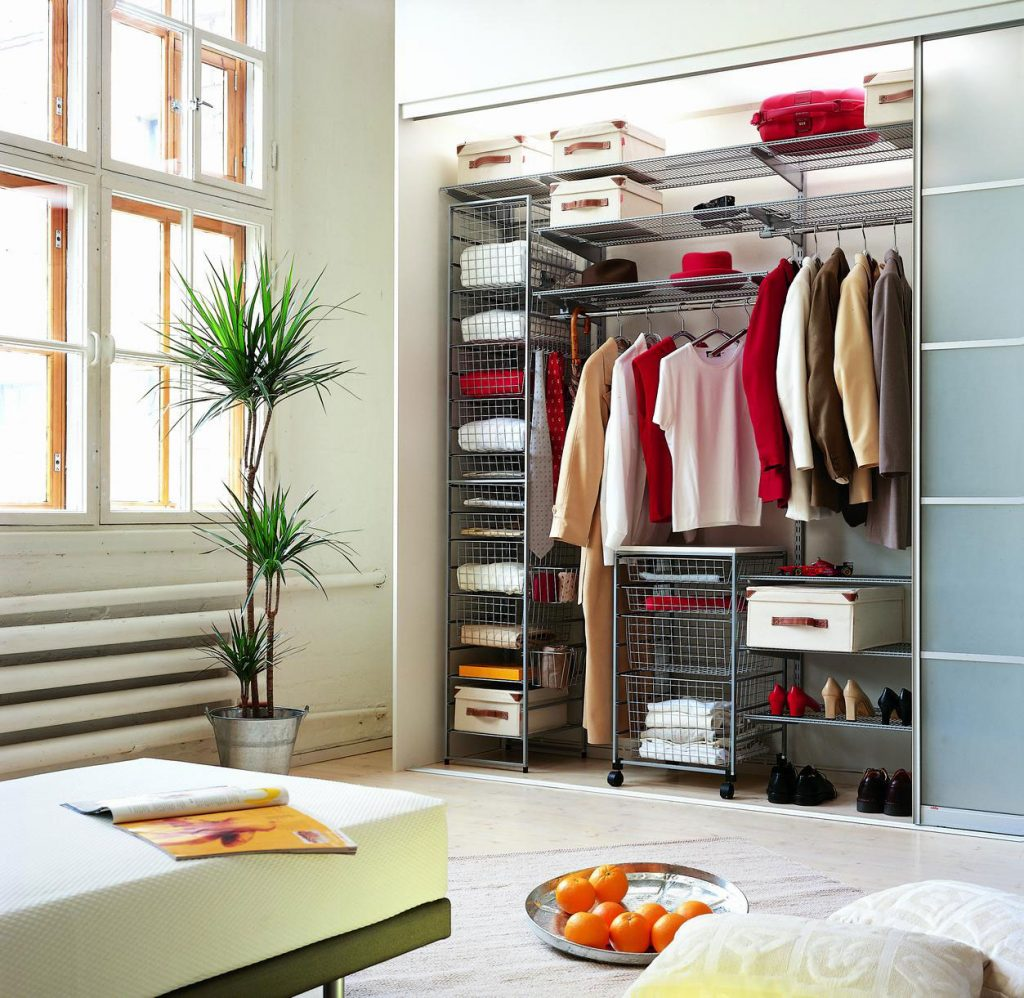 Small-Closet-Ideas-05