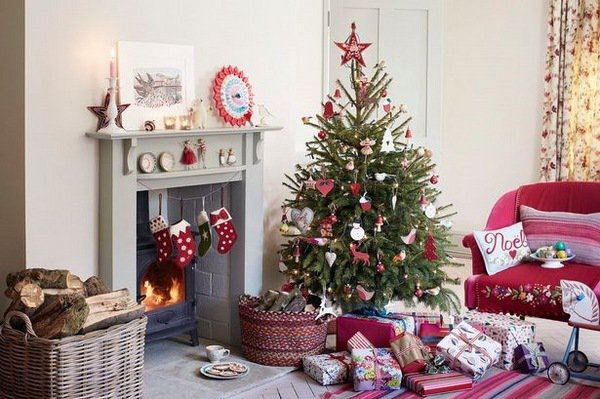 Bright коледна украса: как да украсят дома за Нова Година