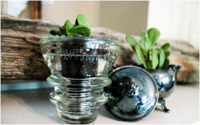 27 идеи reprofiling стъклени изолатори, които ще украсяват интериора