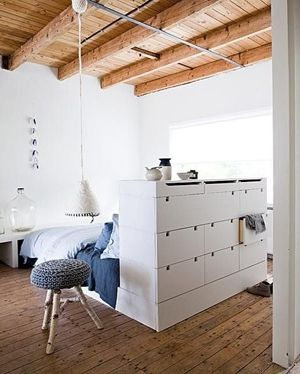 Bed with drawers: ideas for small apartments