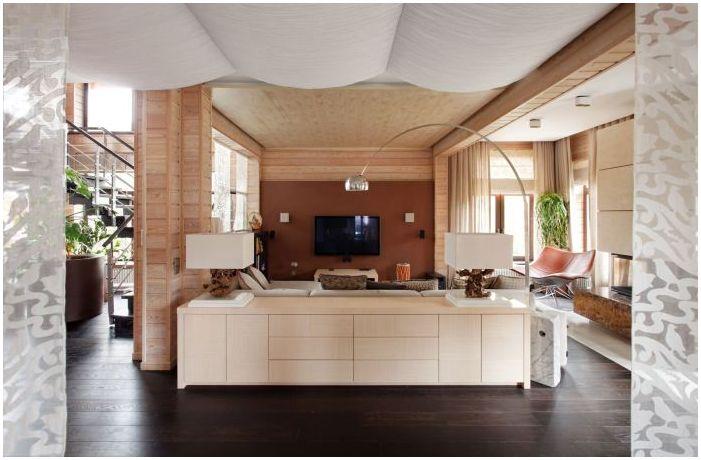Интериорът на къщата на ламиниран фурнир дървен материал 200 кв. м.