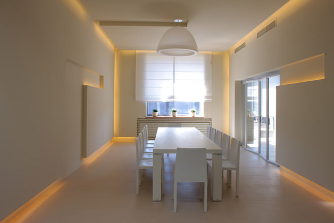 Интериор на къща в стил на минимализъм