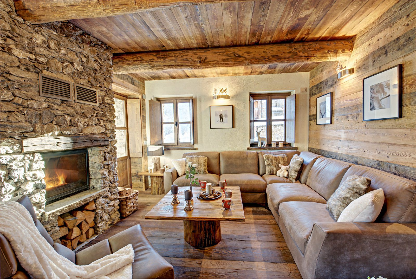Интериор на къща в бунгало стил