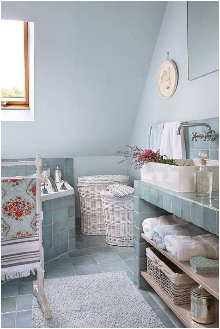 bathroom interior in the style of Provence