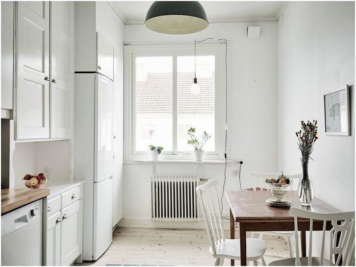 Miten tehdä pieni keittiö, kolme viehättävä esimerkki