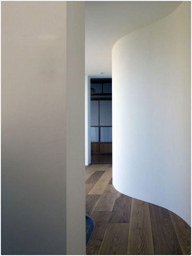 Необичайни интериорен дизайн - дърво в къщата