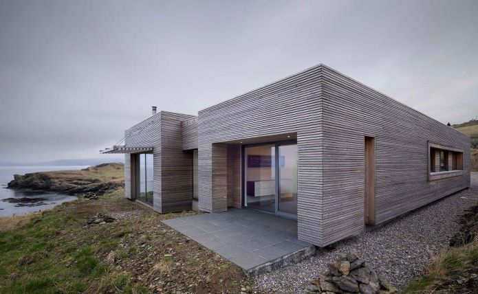 storey house with a flat roof