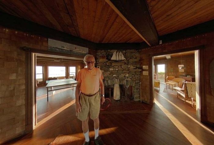 Откъснати от всички: къща на скалист островче