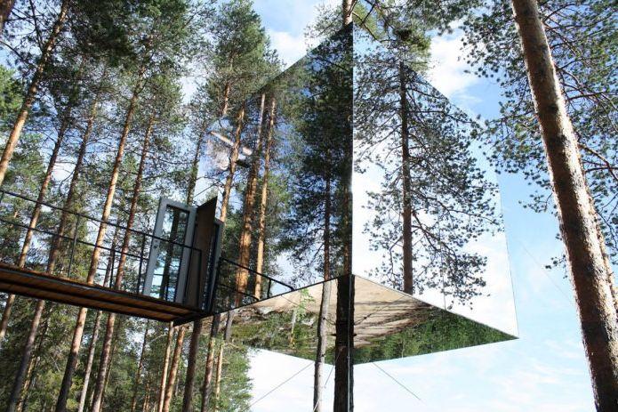 Разтваря се в пейзажа на 8 сгради със стъклени фасади