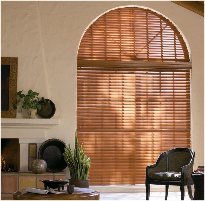 photo on the curtains arched windows: Blinds-Pleated