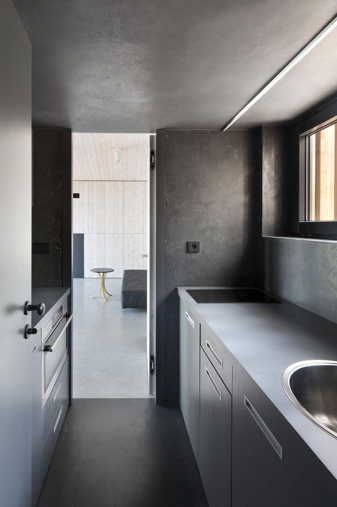 Модерният дизайн на малка частна къща в гората