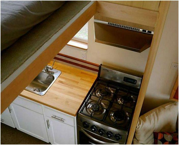 DIY: жилища на достъпни цени от стария трейлър