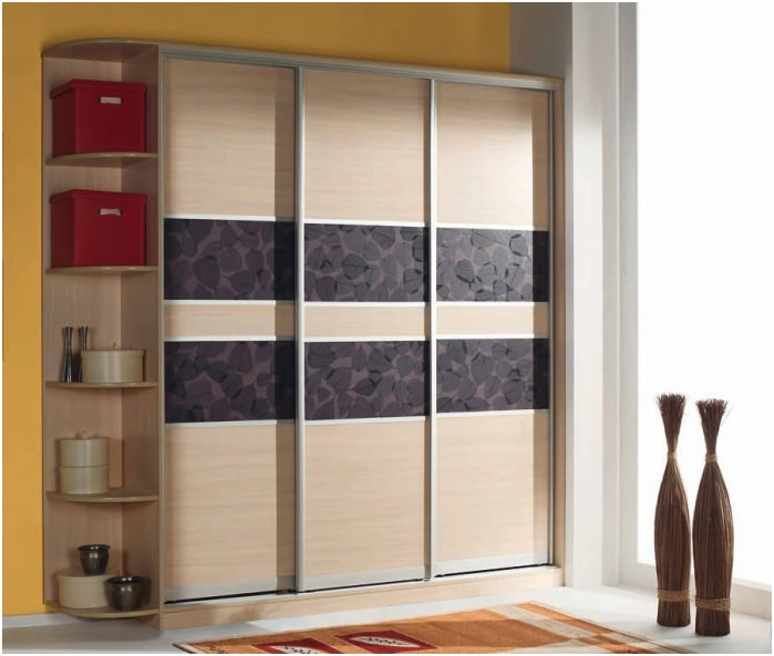 wardrobe with inserts decoracryl