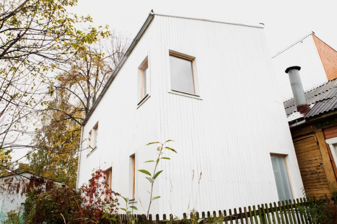 Country house of 100 square meters. m.