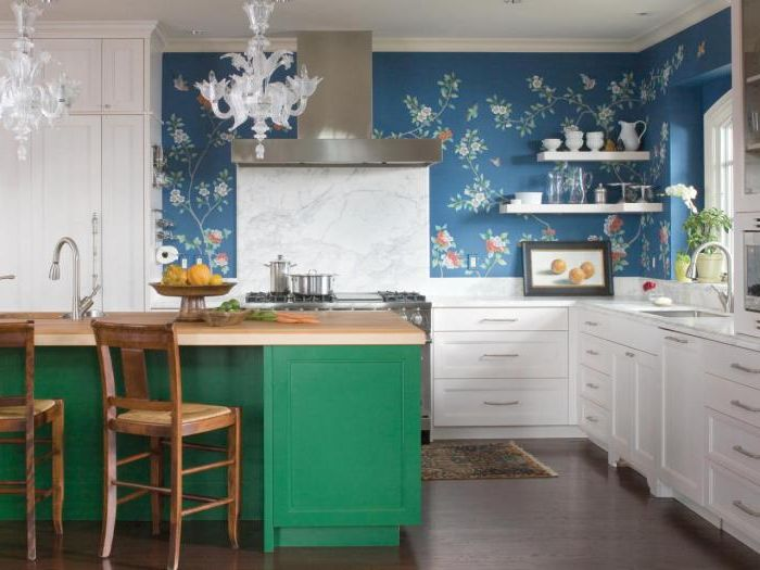 With the help of well-chosen wallpaper in the kitchen, you can create a very comfortable and cheerful atmosphere.