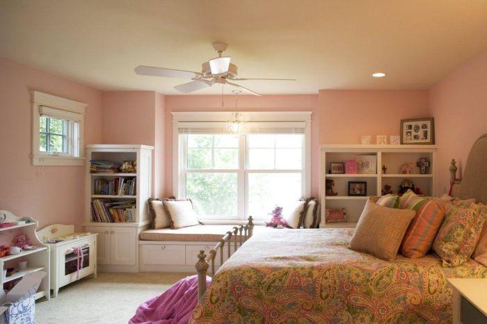 11 уютни дивани върху перваза на прозореца, който ще ви помогне да се спести място в дома