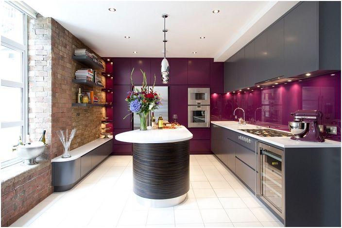 18 Цветни кухненски дизайни, които са в състояние да се прекъсне монотонността на къщата