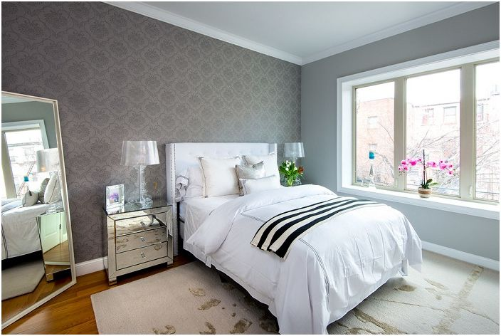 Beautiful  but not at the same time bright bedroom decorated with wallpaper  gray with pretty. 19 simple but stylish design options bedroom wallpaper   dizainall com
