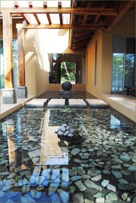 Оригиналният езерото с камъни.