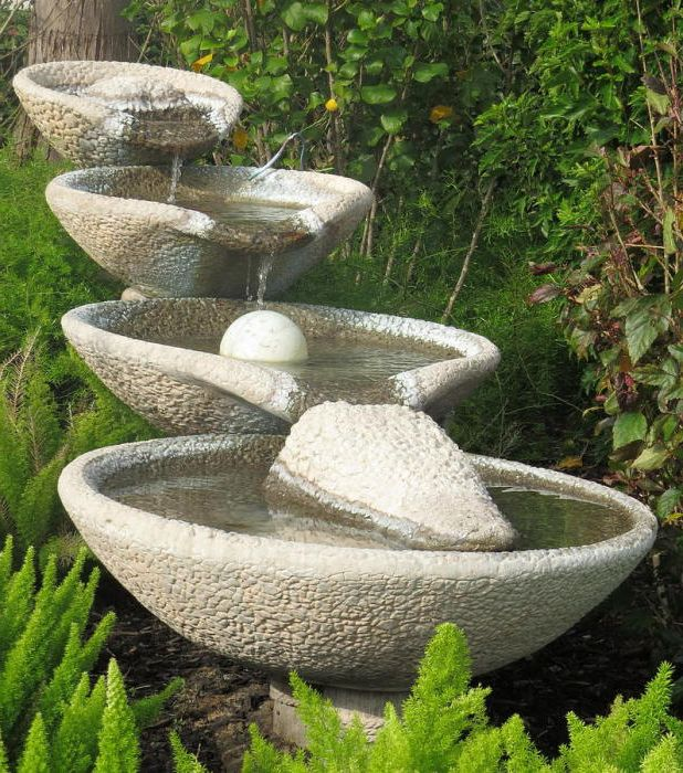 Фонтан в градината на добра помощ за успокояване на нервите.