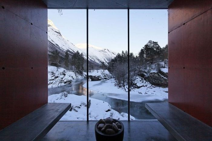Sauna with views of the Valldal River.