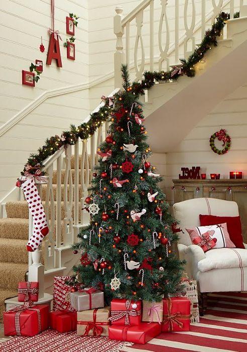 9 прости начини за украса на залата за Нова година