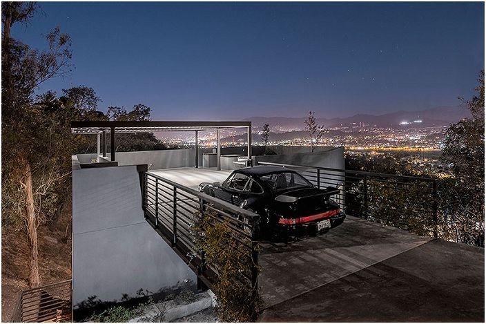 Къщата с покрив-паркинг: и компактен, и функционални