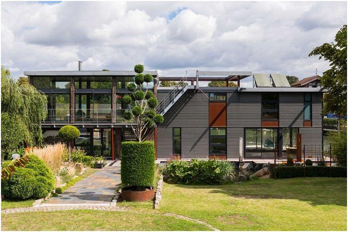 Къщи във водата: най-добрата алтернатива на скъпите жилища на земя
