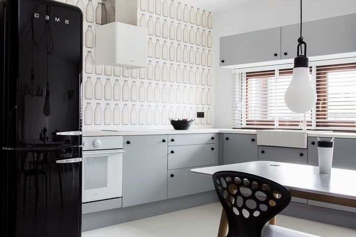 The unusual black-and-white apartment