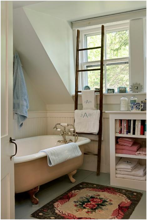 Как килим може да преобрази интериора на банята и тоалетната: 5 практически съвети и 15 очарователни примери