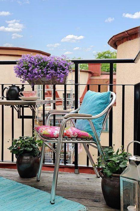 Как да се превърне малък балкон в райско място: 7 съвети и 30 очарователни примери