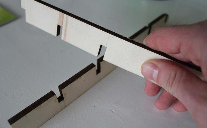 Как да премахнете проводниците от погледа: лесен начин за прикриване