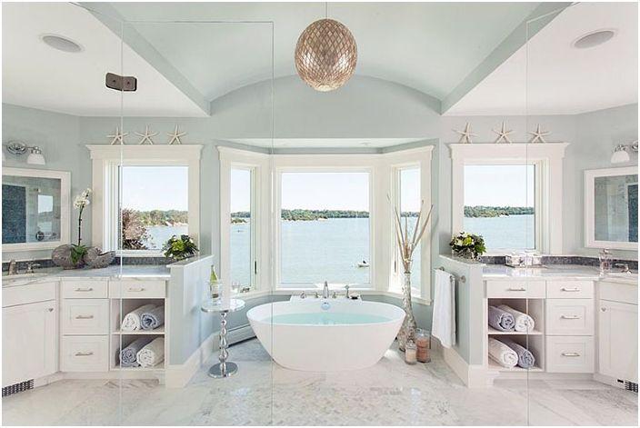 Малко лукс: 30 зашеметяващ страничната маса в банята