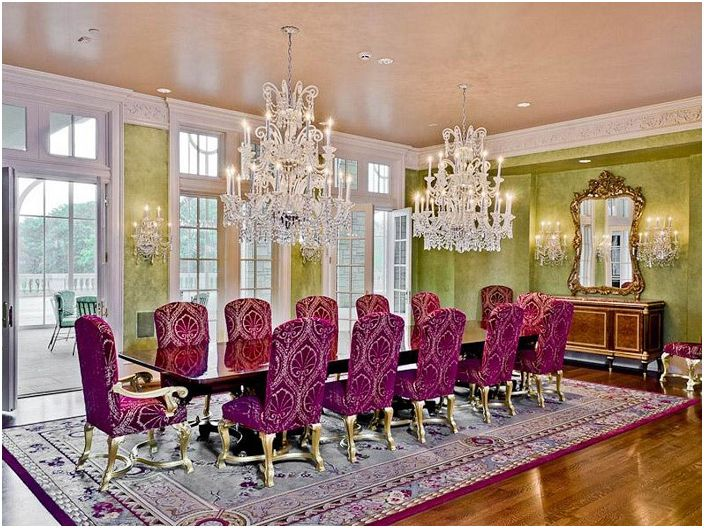 Great combination of bright colors with elegant chandeliers and lamps, make the room more attractive and rich.