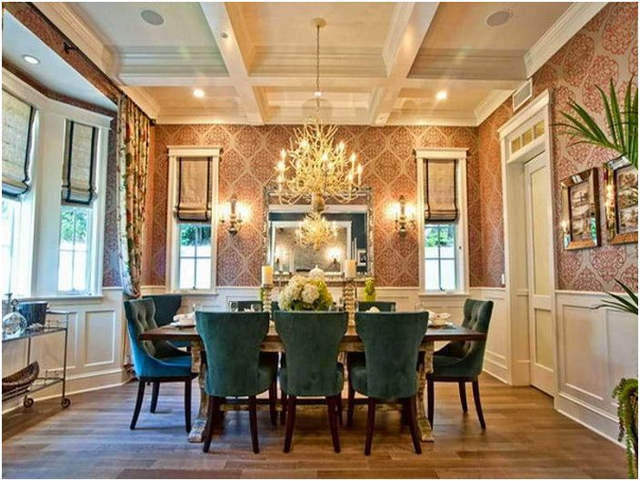 Excellent combination of interior dining room furniture, combined with a chandelier.