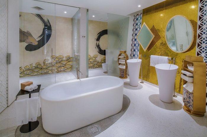 Луксозен хотелски комплекс с вътрешен от бамбук възли