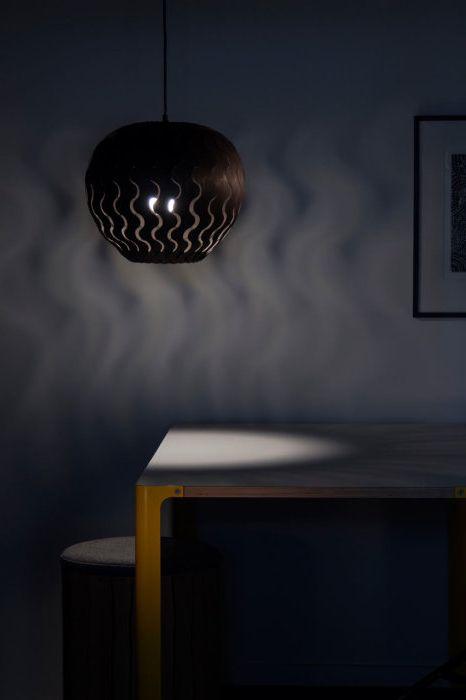 A серия от стилни осветителни тела бамбук от Нова Зеландия дизайнер