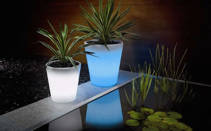 Flower pots with backlight
