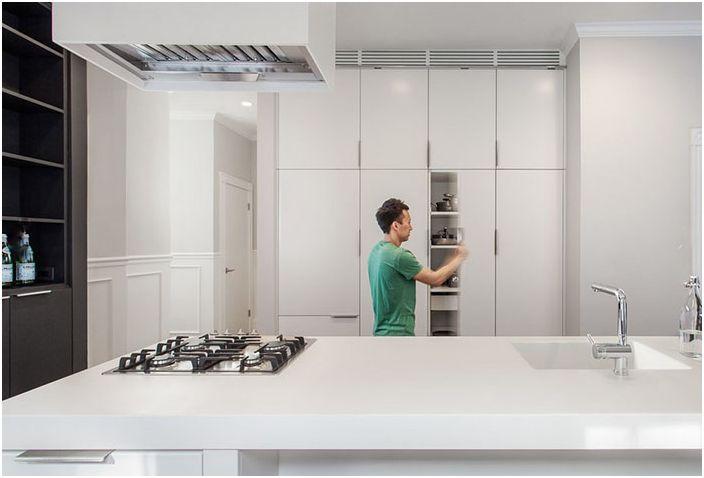 Kakel Workshop : Designer tips sätt att återuppliva en helt vit köksinredning