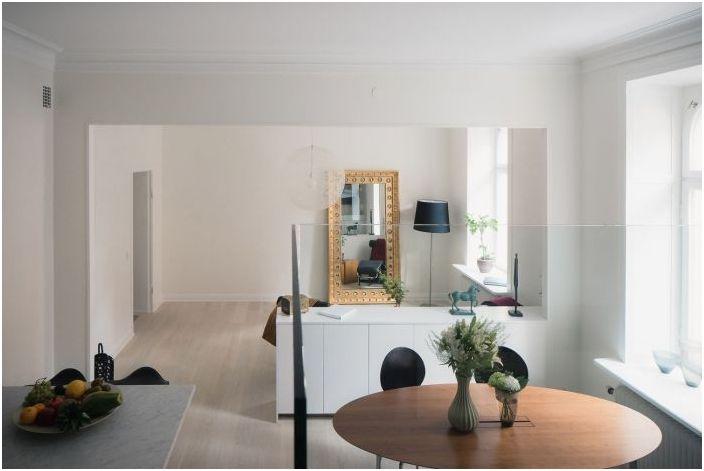 Три големи тайна малък апартамент: 44 квадратни метра в Стокхолм