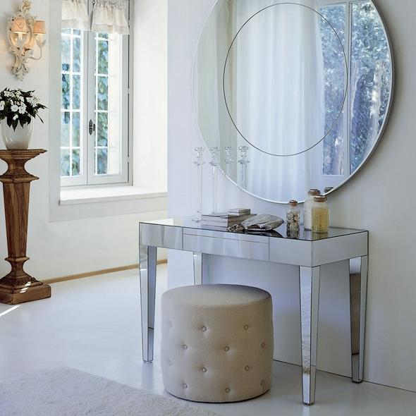 Dressing-table-in-the-interior-555