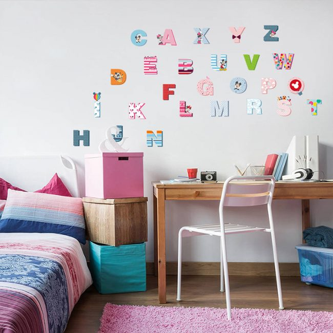 Alphabet- in- the- children's -room-5-2