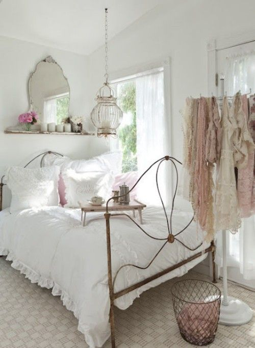 Bedroom- in- Provence- style-555-1