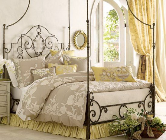 Bedroom- in- Provence- style-666