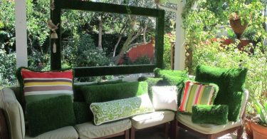 Decorative moss in the interior of your garden veranda