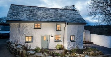 300-year-old house unprepossessing from the outside but stunning inside