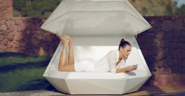 Exclusive couch Faz by Spanish architect Ramon Esteve - sunbathe comfortably