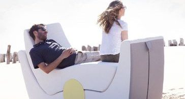 At a picnic with French chic: a luxurious and practical set of folding furniture by Ego