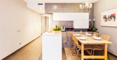 Kitchen with a peninsula: 50 ideas of an angular layout on a photo